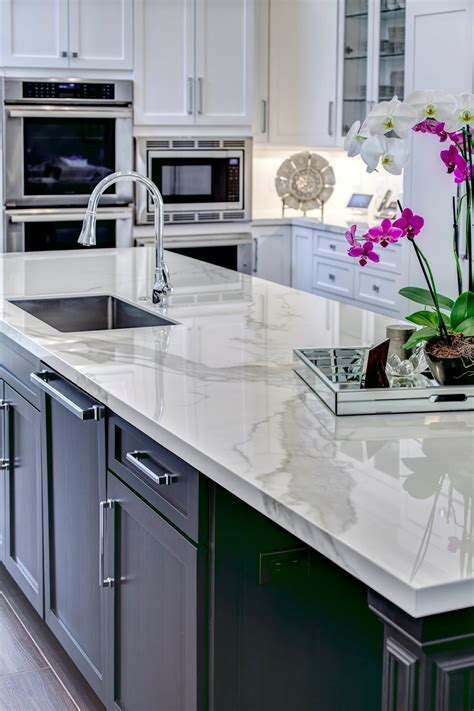 Neolith Polished Finish Recognized by Two Top Industry