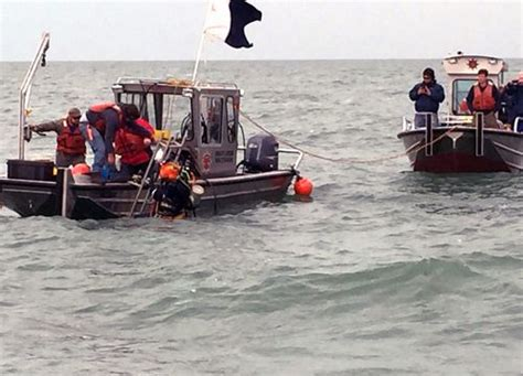 sinking boat on lake erie noaa involved after barge argo the lake erie shipwreck