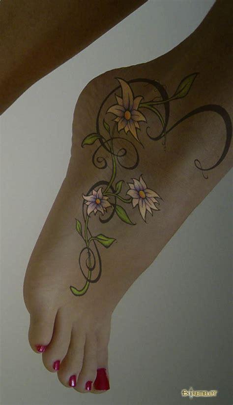 tatuaggi piede caviglia fiori 176 tatuaggio 176