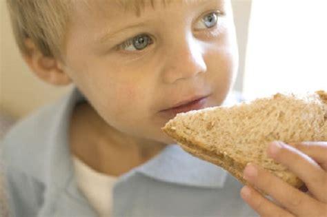 alimenti vietati ai celiaci come e cosa pu 242 mangiare un bambino celiaco celiachia org