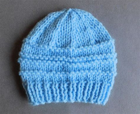 knitted hat pattern dk yarn spring day baby hat allfreeknitting com