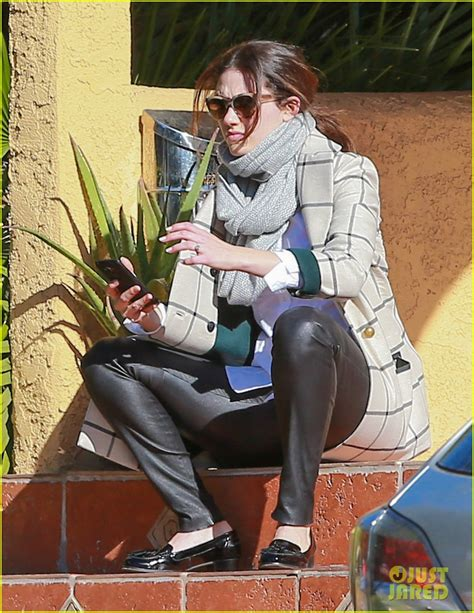 emmy rossum engagement ring emmy rossum on her engagement ring i like that it s old