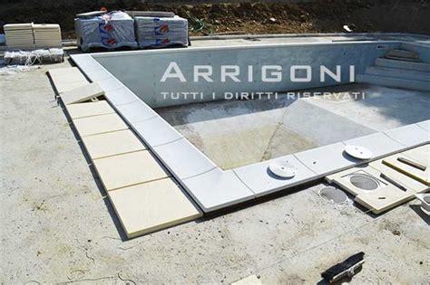 piastrelle bordo piscina mobili lavelli piastrelle per piscine prezzi
