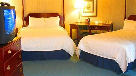 of akron rooms quaker square inn at the of akron compare deals