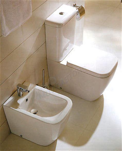 cassetta wc a muro sanitari a terra filo muro vaso monoblocco con cassetta