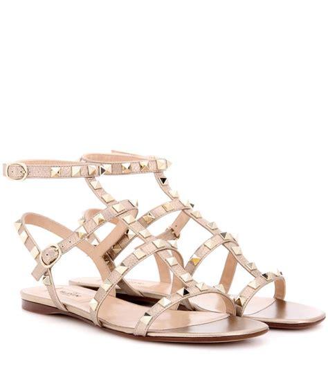 valentino garavani sandals valentino garavani rockstud metallic leather sandals