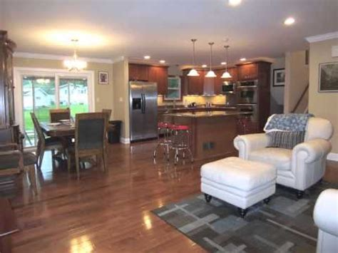 6737 meadowcrest downers grove remodeled split level