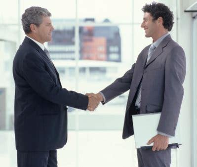 Bisnis Sambil Jadi Karyawan mantan bos jadi rekan bisnis mengapa tidak