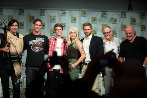 with the cast ficheiro the cast of the dome sdcc july 2014 jpg wikip 233 dia a enciclop 233 dia
