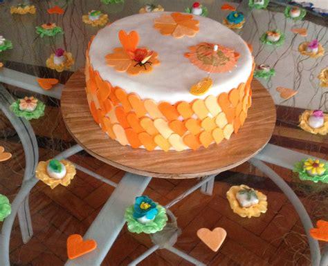 como decorar um bolo pasta americana confeitando bolos pasta americana passo a passo