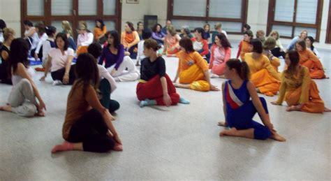 imagenes de yoga integral profesorado de yoga intensivo 14 d 237 as