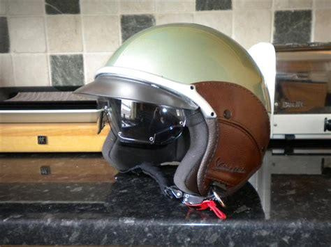 Helm Retro Vespa Classic Standart Merah Hitam modern vespa matching lxv gtv helmet you seen them