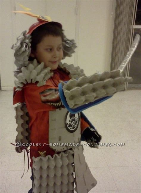 How To Make A Samurai Helmet Out Of Paper - cool home made samurai armor from egg crates