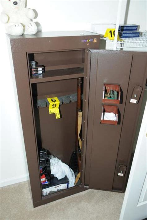 bedroom gun safe inside newtown shooter adam lanza s lair ny daily news