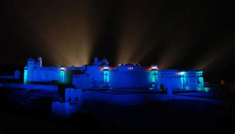 don t miss the ongoing light and sound show at mahal