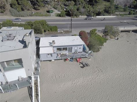 how to plumb a new house brady bunch star eve plumb closes 3 9m sale on malibu