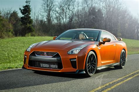 car nissan 2017 2017 nissan gt r look review motor trend