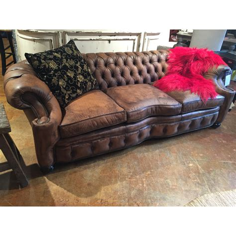 tufted sofas clearance leather tufted sofa 1042 03 old hickory tannery sale