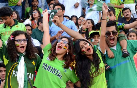 pakistan fans cricket fans will lose their senses after reading the