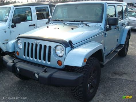 white jeep with teal accents 2012 winter chill metallic jeep wrangler unlimited sahara