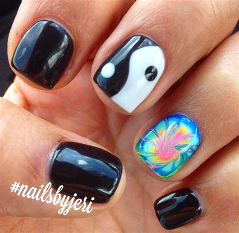 tutorial nail art yang simple 25 best ideas about yin yang nails on pinterest nail