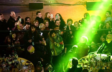 coldplay vs bmth bring me the horizon smash up coldplay s table at nme
