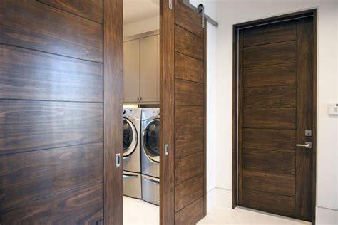 Trustile Exterior Doors Trustile Doors Modern And Contemporary Solid Wood Doors Tm9000 In Poplar With Exposed Barn