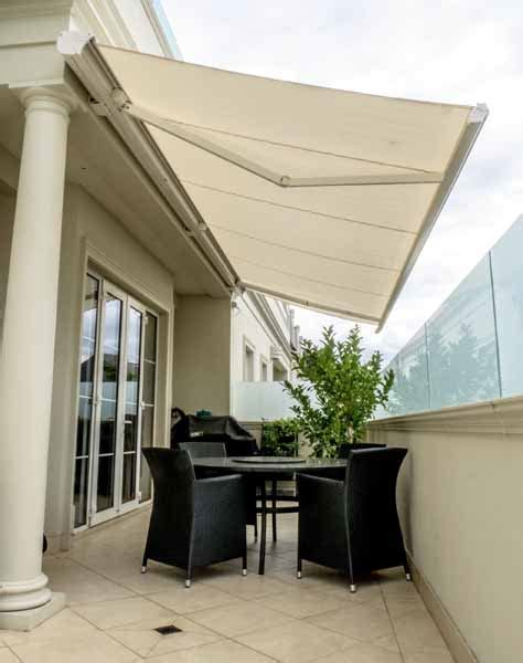 Retractable Awnings Melbourne by Helioscreen Retractable Awning Transforms Melbourne Residence