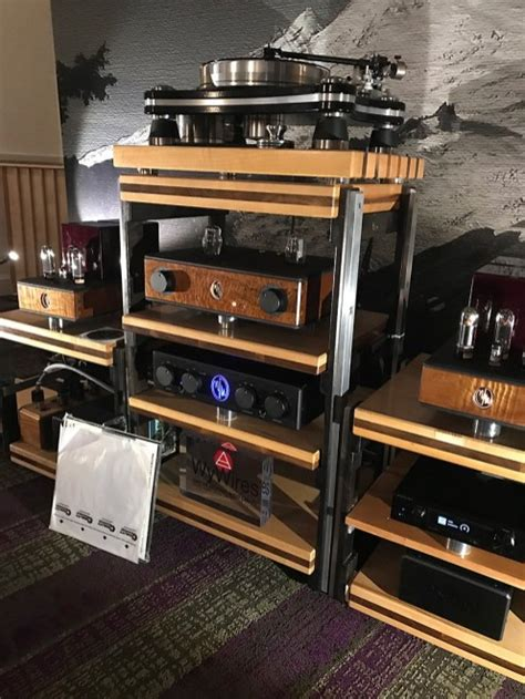 capital audio fest  daedalus audio fly    moon part time audiophile