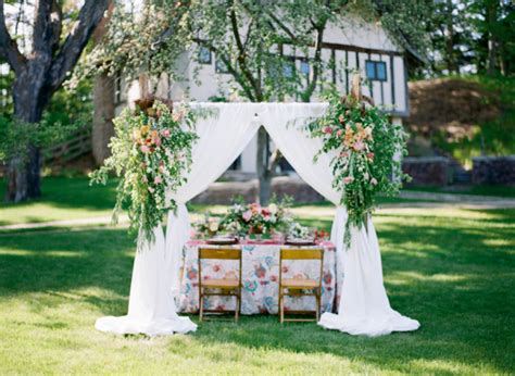 summer backyard wedding ideas colorful garden wedding inspiration elizabeth anne