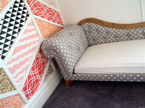 diy fainting couch herringbone patchwork accent wall reveal reality daydream