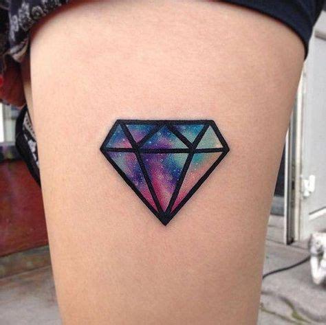 tatuagem de diamante na mão, dedo ou com nome significado