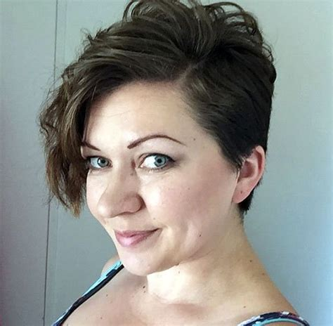 Can Short Pixies Be Parted Opposite Growth Pattern | 30 standout curly and wavy pixie cuts