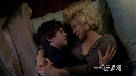 mother and son bedroom scene bates motel the pit review quot you re gonna kill me norman quot