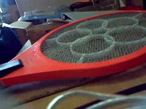 Raket Buat Nyamuk cara mudah servis raket nyamuk doovi