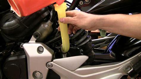 Motorrad Batterie Fl Ssigkeit Nachf Llen by Cbf600 Wartung Teil 2 K 252 Hlfl 252 Ssigkeit Wechseln