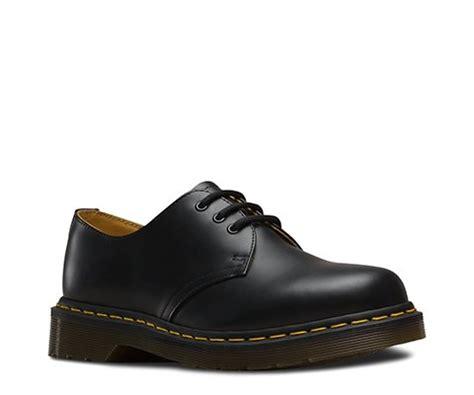 Sepatu Dr Martens Low Leather 05 dr martens sko sort