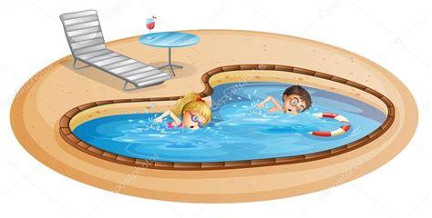 imagenes niños nadando una ni 241 a y un ni 241 o nadando en la piscina vector de stock