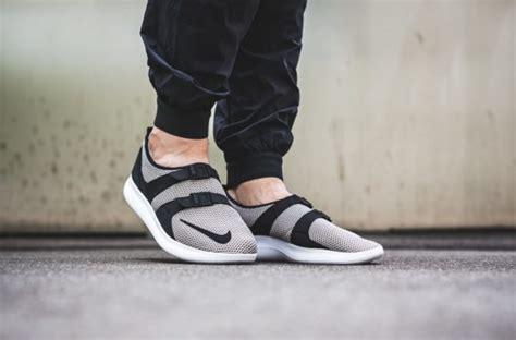 Sepatu Pria Nike Air Sock Racer Se Black White Original cobblestone covers the nike air sock racer se sneakers cartel