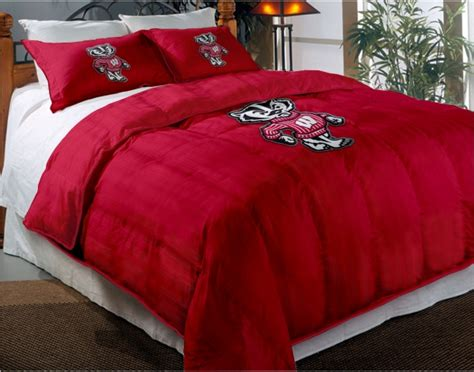 Wisconsin Bedding by Wisconsin Badgers College Chenille Embroidered Comforter Set With 2 Shams 64 Quot X 86 Quot