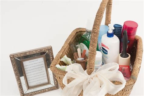 bathroom toiletry baskets 25 best ideas about wedding toiletry basket on pinterest