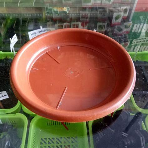 Pot Plastik 10 Cm Dan Tatakan tatakan pot diameter 15 cm cokelat bibitbunga