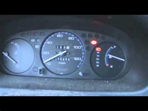 cold start & dash view of two hondas: 2000 honda civic dx