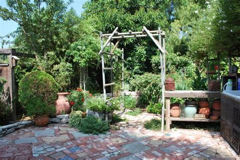 cottage garden patio pin by marni landes on small patio ideas