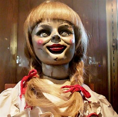 annabelle doll the annabelle doll creepy the conjuring terrifiant