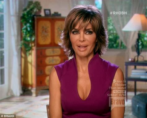 does lisa rinna wear a wig is lisa rinna bald real housewives brandi glanville accuses lisa rinna of wearing hairpiece daily mail online