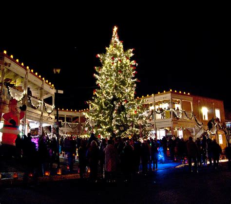 old town christmas tree photograph by don durante jr