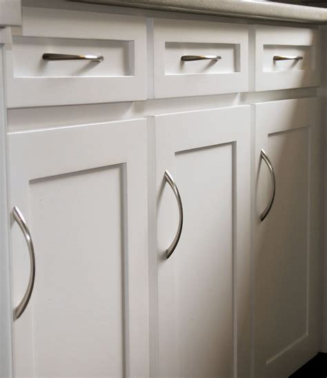 How To Paint Melamine Cabinet Doors 1000 Ideas About Kitchen Cupboard Door Handles On