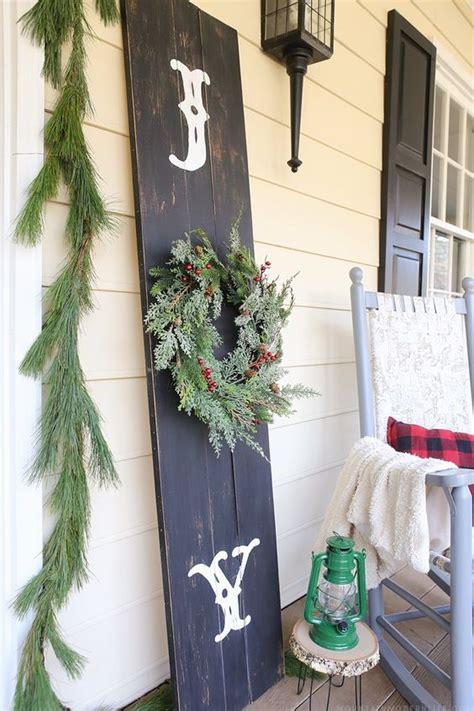 26 extraordinary stand up christmas decoration ideas