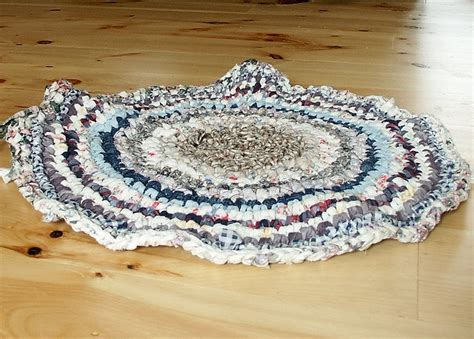 crochet a rug with fabric strips crochet rug tutorial rag rugs
